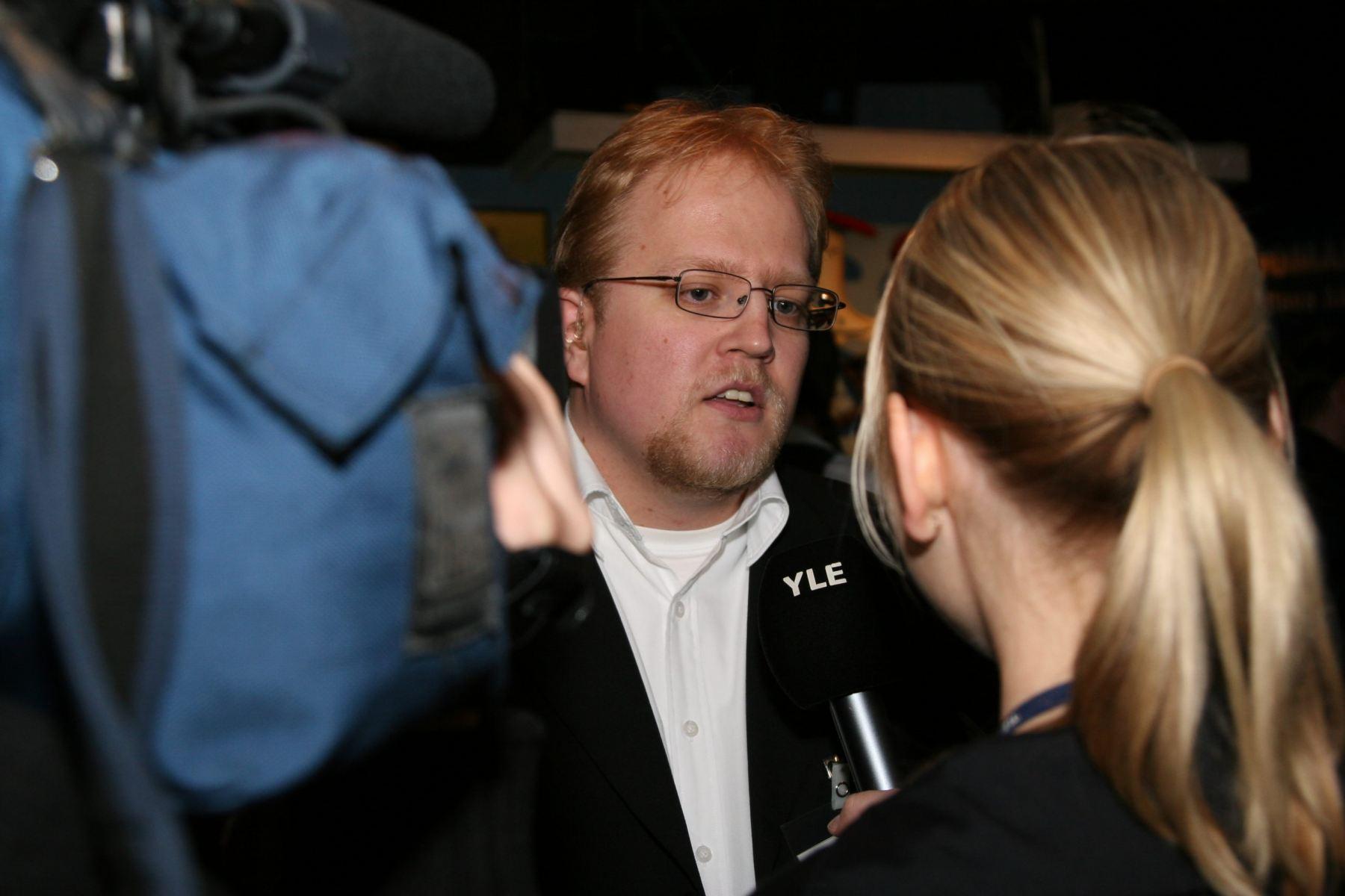 Yle haastattelee vuoden 2008 kuntavaalien iltana